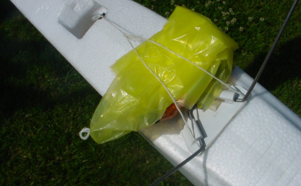 Largage de parachute : système simple et efficace